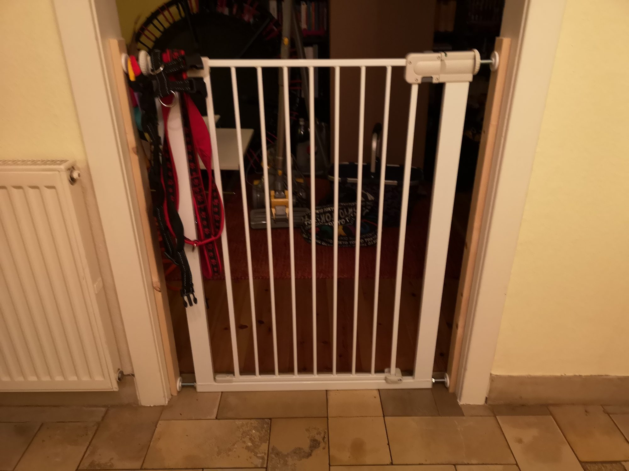 Gitter Durchgangszimmer